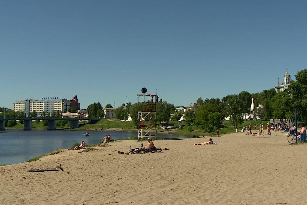 На пляжах Ярославля повесили черные круги: причина