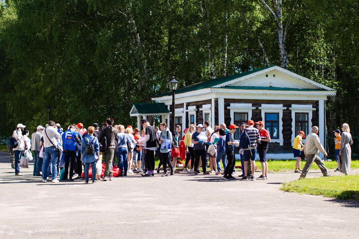 «Помочи» или «хашар»: ярославцы объединились и помогли музею-заповеднику Некрасова «Карабиха»