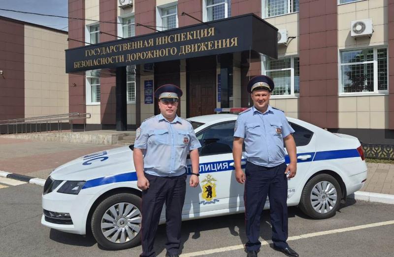 В Ярославле полицейские помогли женщине, которую укусила змея