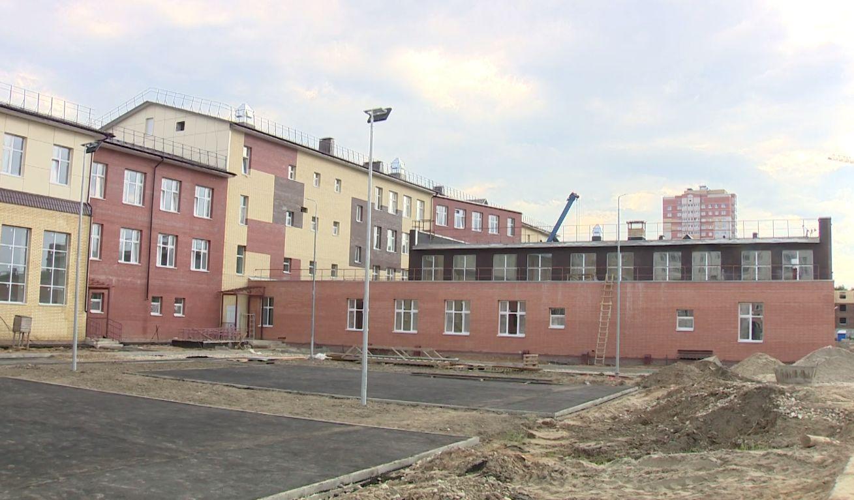 Новую школу в микрорайоне Сокол в Ярославле должны сдать в следующем месяце