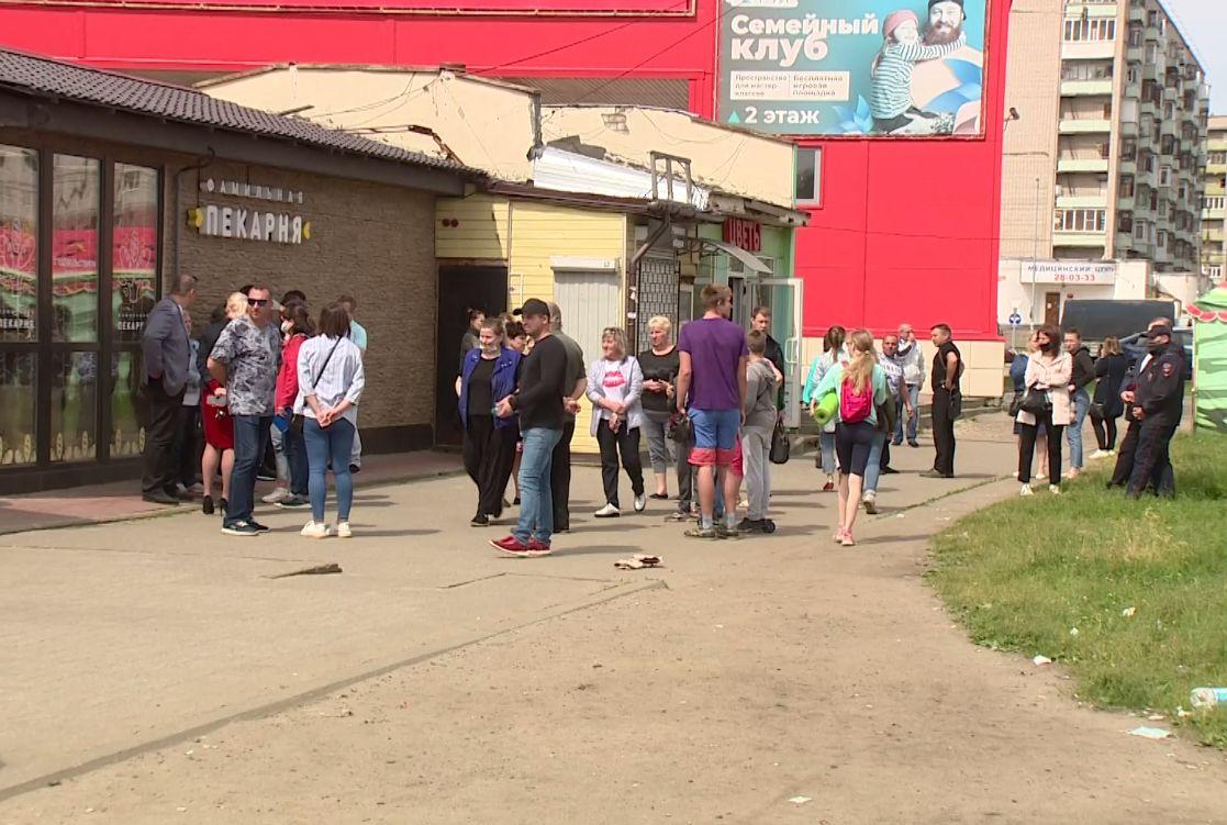 Снести нельзя оставить: торговые павильоны за Волгой в Ярославле хотят демонтировать