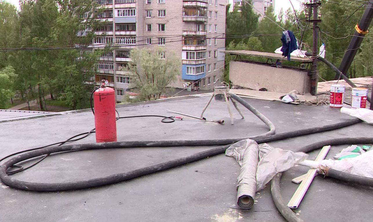В брагинской пятиэтажке, где затапливало квартиры верхних этажей, начался капремонт