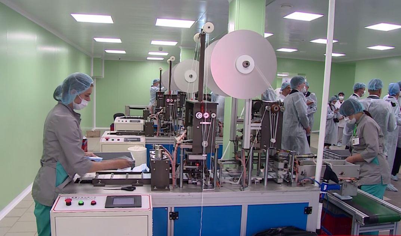 В Ярославской области открылся обновленный цех по производству медицинских масок и халатов