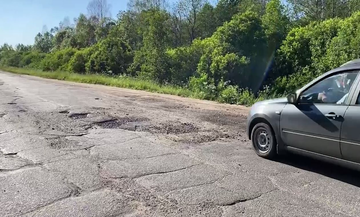 Убитый участок дороги Тутаев–Шопша в Ярославской области отремонтируют в этом году
