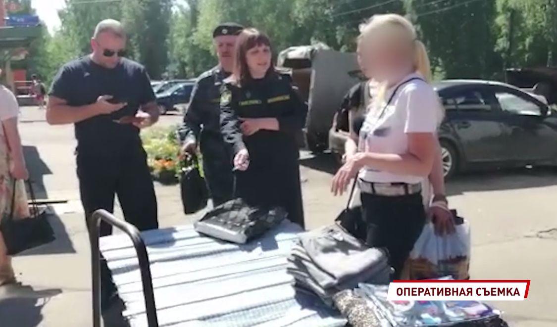 За Волгой в Ярославле приставы ловили уличных торговцев: должники теперь могут лишиться товара