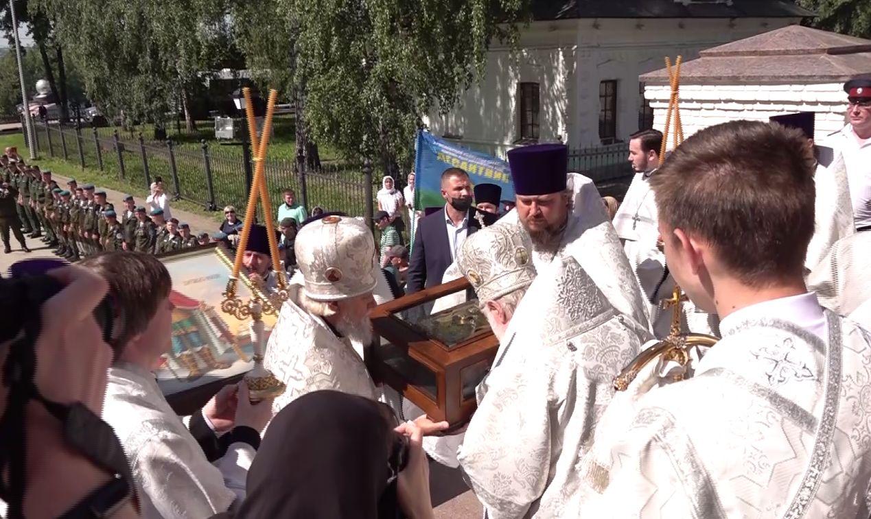 В Ярославле потомок соратника Александра Невского встретил мощи святого благоверного князя