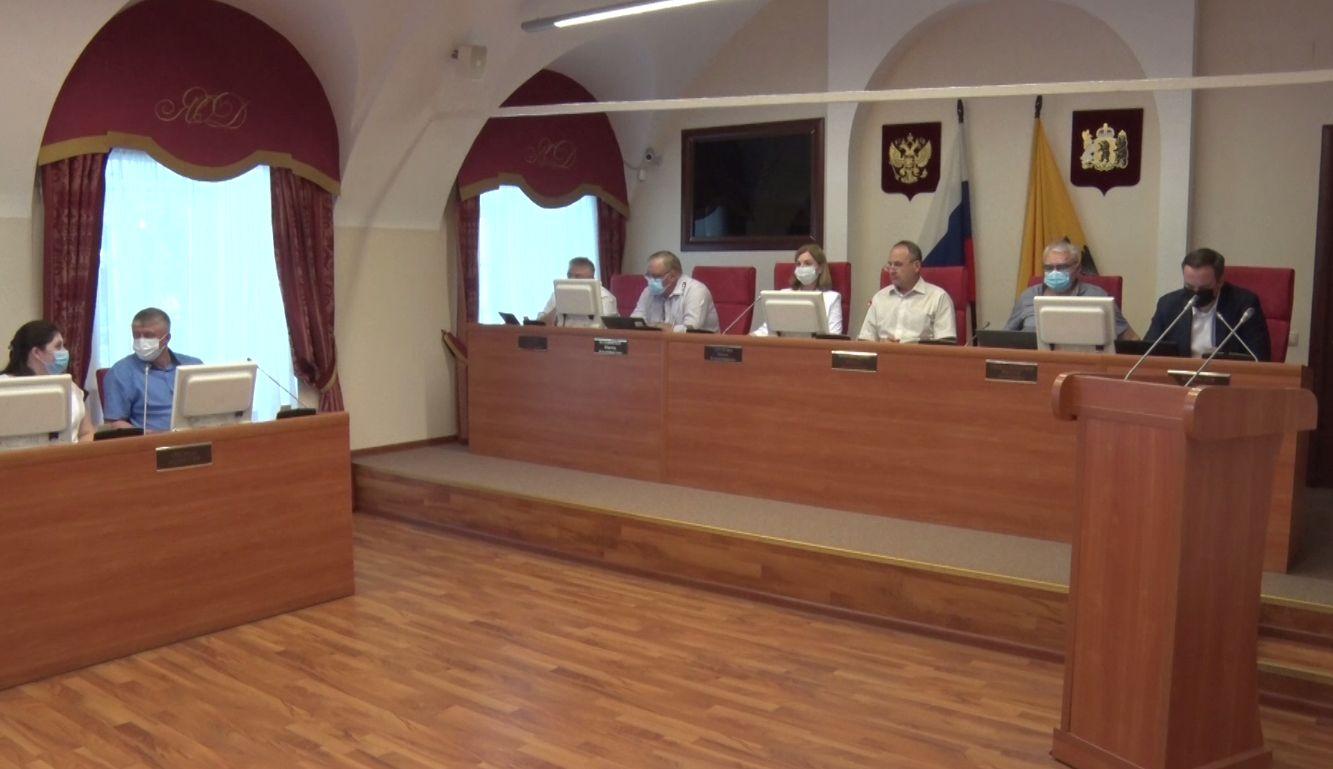 Депутаты облдумы рекомендовали Роспотребнадзору ввести обязательную вакцинацию для некоторых категорий