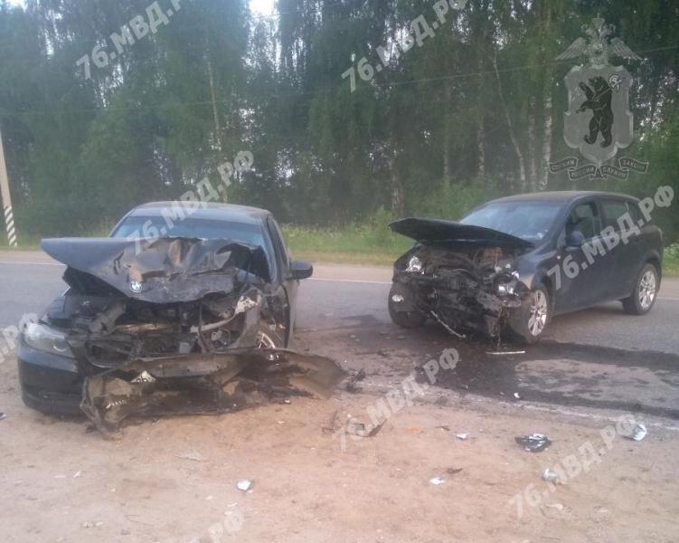 Пять человек пострадали в крупном ДТП в Ярославской области