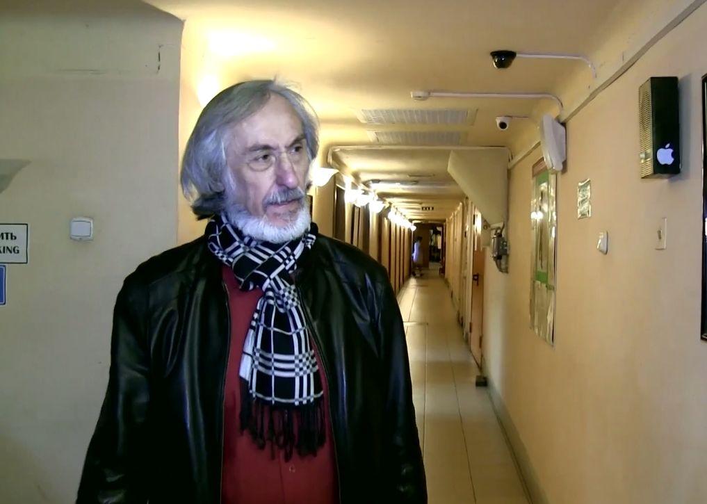 Полтора года ожиданий: актеру ярославского ТЮЗа вручили «Золотую маску»