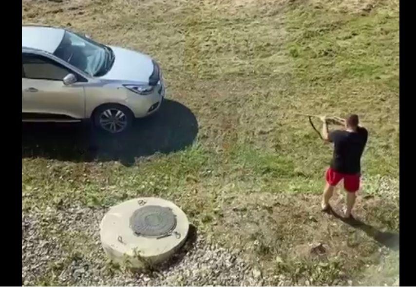 Житель Ярославской области обстрелял машину бывшей супруги