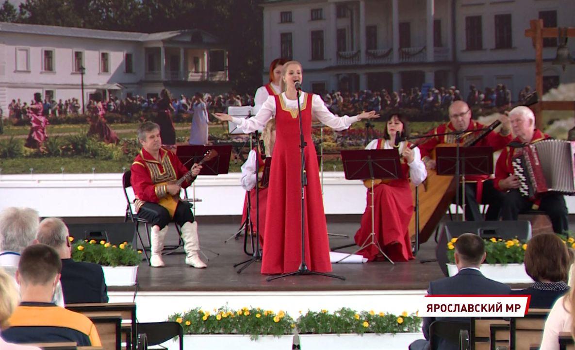 В «Карабихе» к 200-летию Некрасова открыли новый сценический комплекс и фестивальный парк