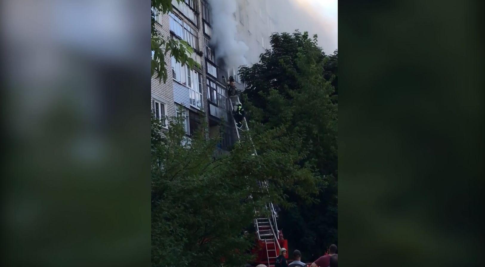 Серьёзный пожар произошёл в центре Ярославля: эвакуировали целый дом