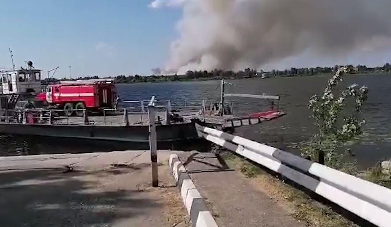 Столб дыма виден за несколько километров: что горит в Некрасовском районе Ярославской области