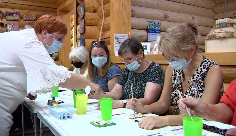 В Коровниках в Ярославле провели мастер-классы по народным промыслам