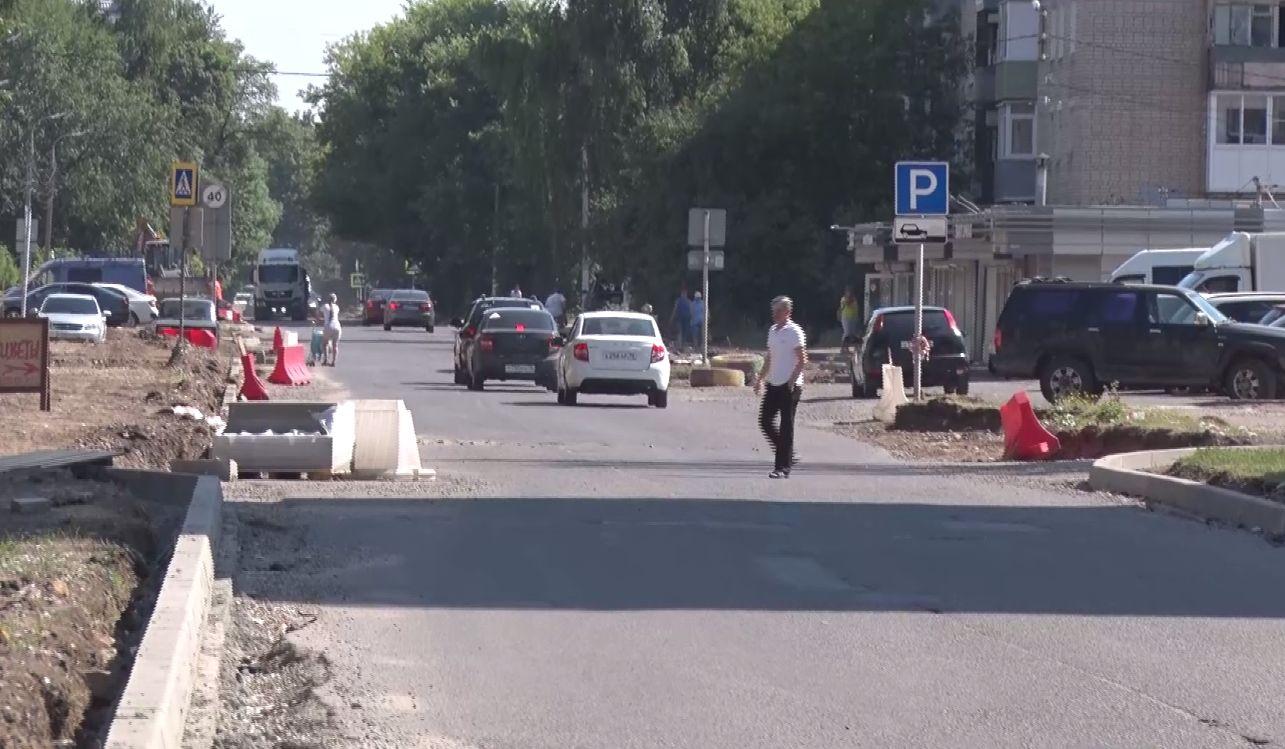 Депутаты облдумы указали городским властям на проблемы в ремонте и содержании дорог Ярославля