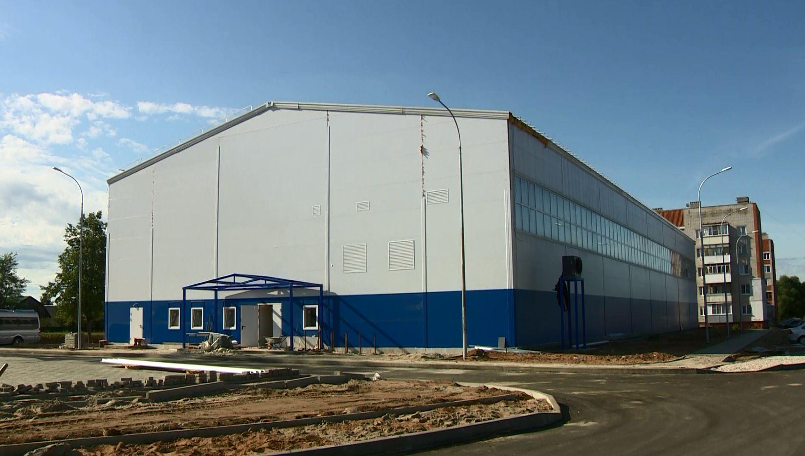 Строительство долгожданного манежа в Красных Ткачах Ярославской области вышло на финальный этап
