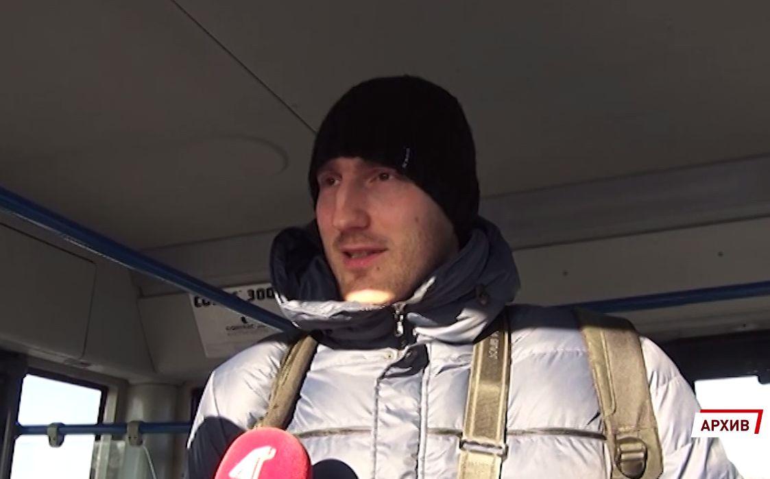 Воспитанник ярославского волейбола пронес знамя российской сборной на открытии Олимпиады