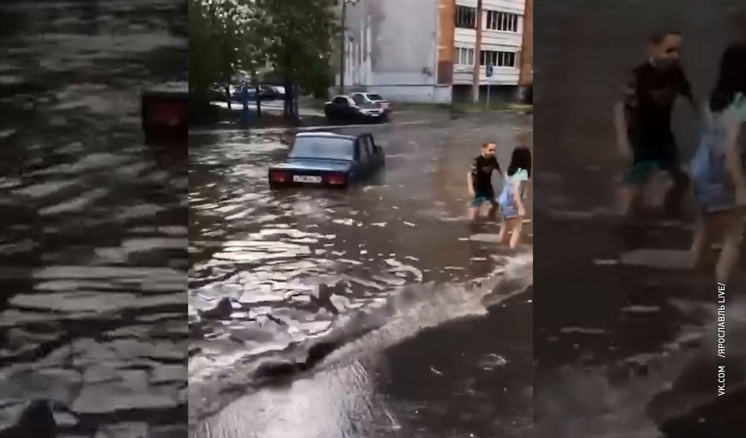 В Ярославле улица Рыкачева полностью ушла под воду