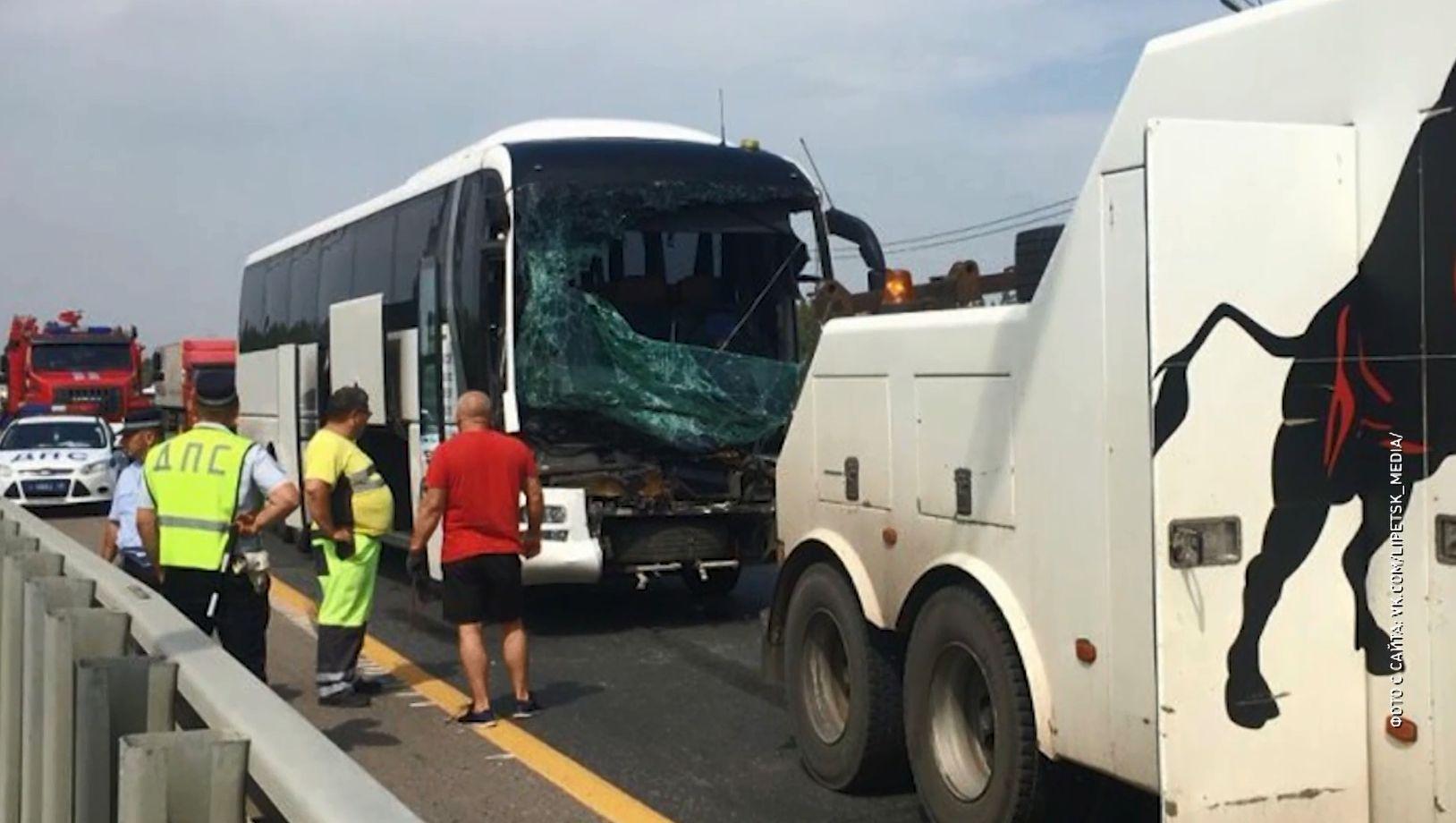 Автобус с ярославскими студентами попал в аварию