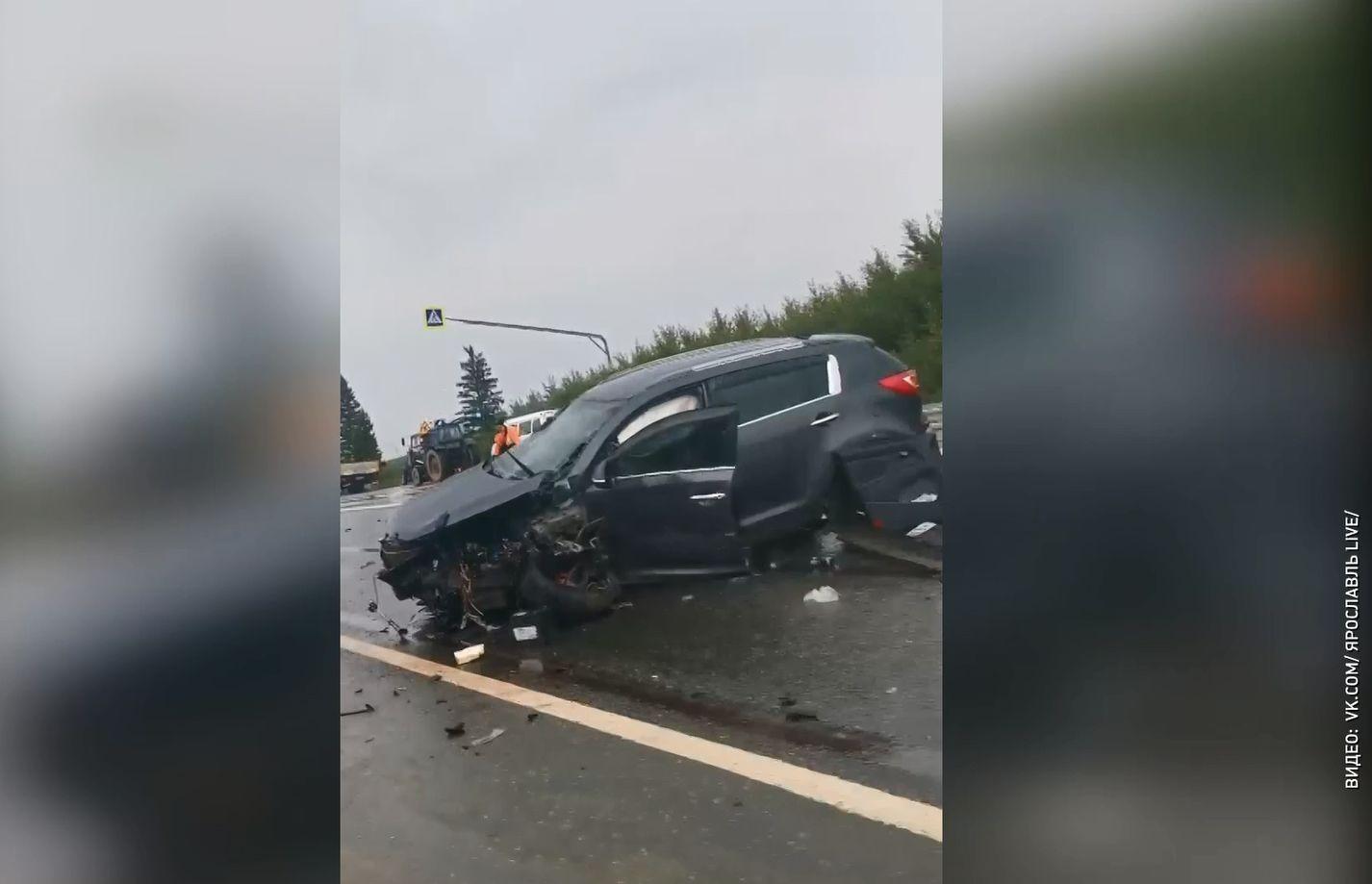 В Ярославской области недалеко от деревни Шалаево произошла серьезная авария