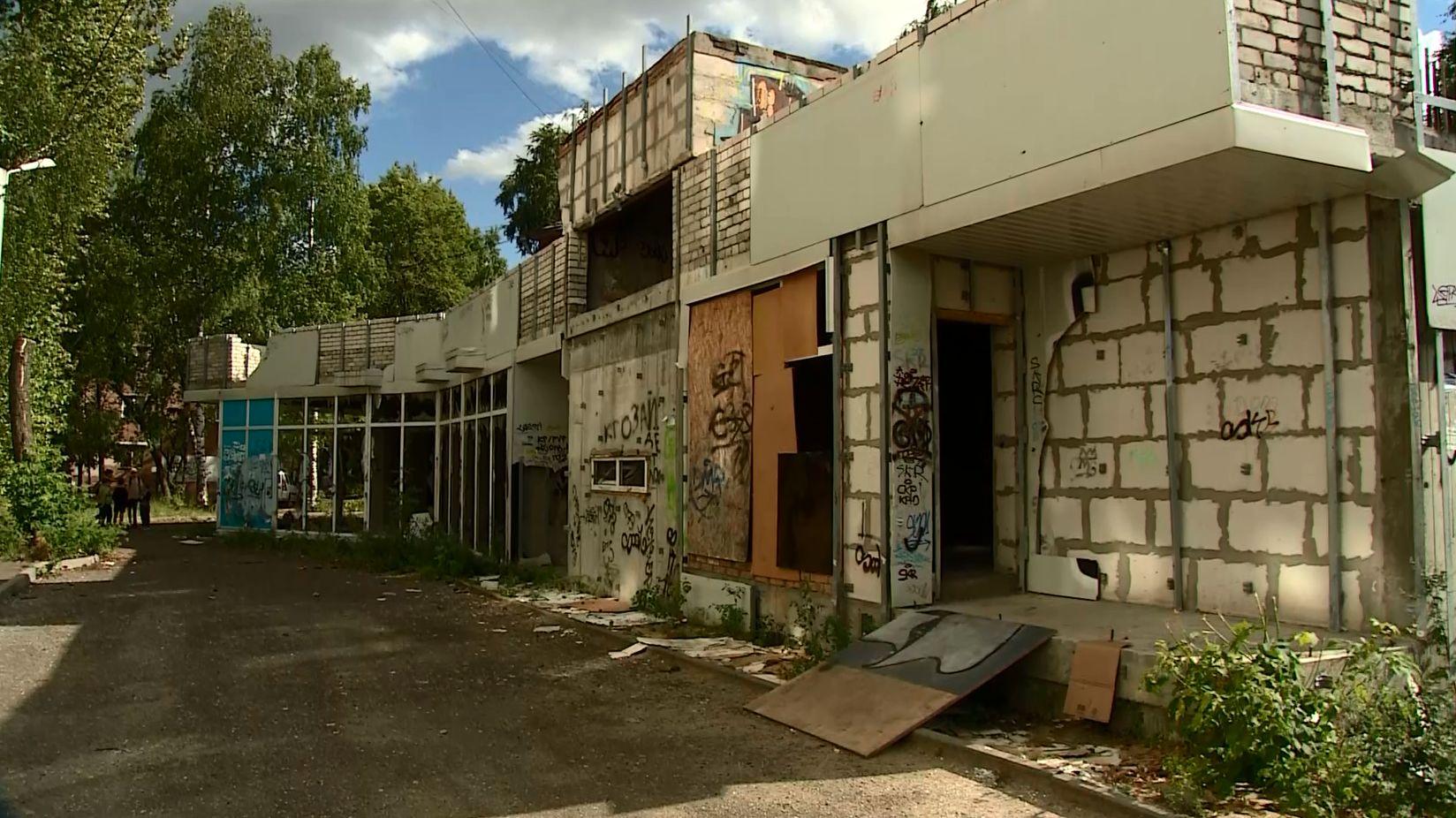 В заброшенном здании на улице Свердлова в Ярославле погиб человек