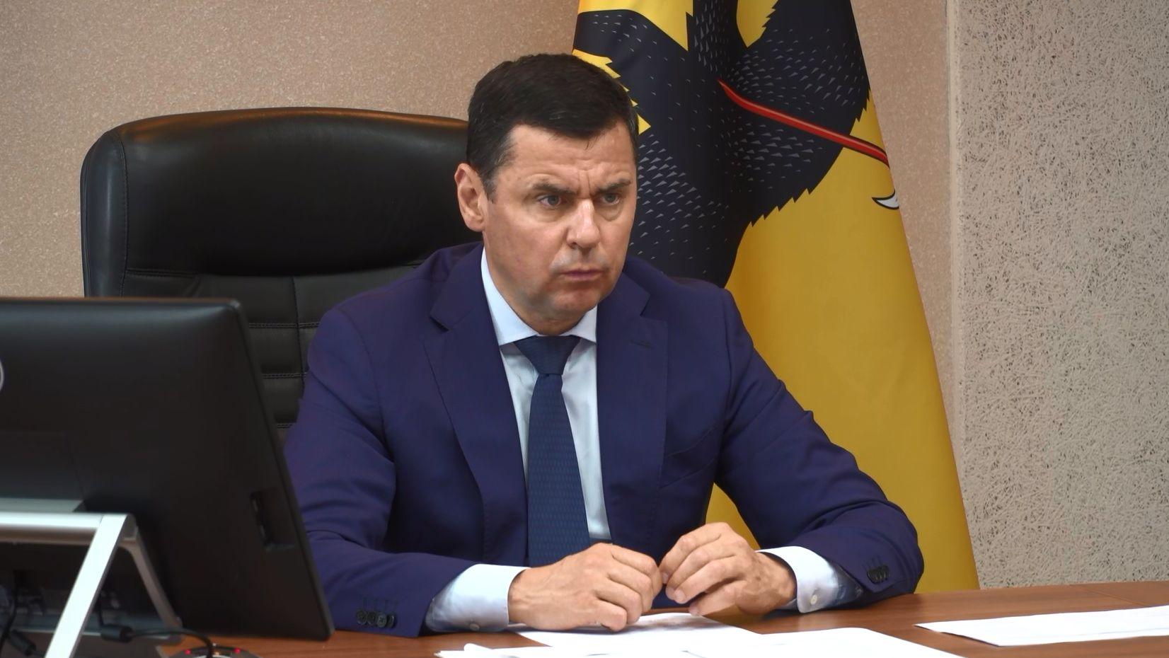 Дмитрий Миронов - реализация ряда объектов по губернаторскому проекту «Решаем вместе» откровенно срывается