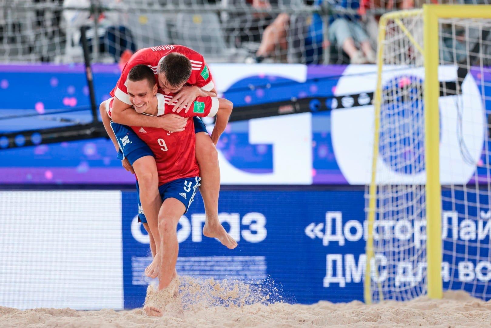 Ярославец Борис Никоноров в составе сборной России по пляжному футболу готовится к 3 матчу на Чемпионате мира