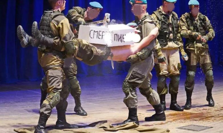 Общественники Ярославля возмущены постановкой военно-патриотического клуба на юбилейном вечере
