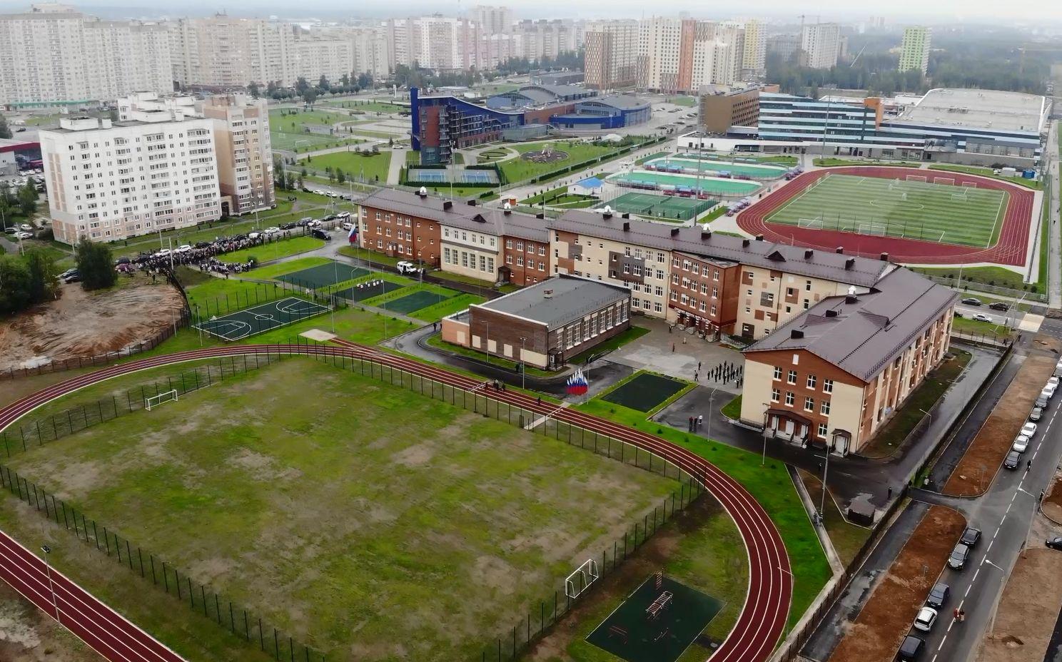 Школа № 91 на улице Чернопрудной в Ярославле открылась почти для тысячи учеников