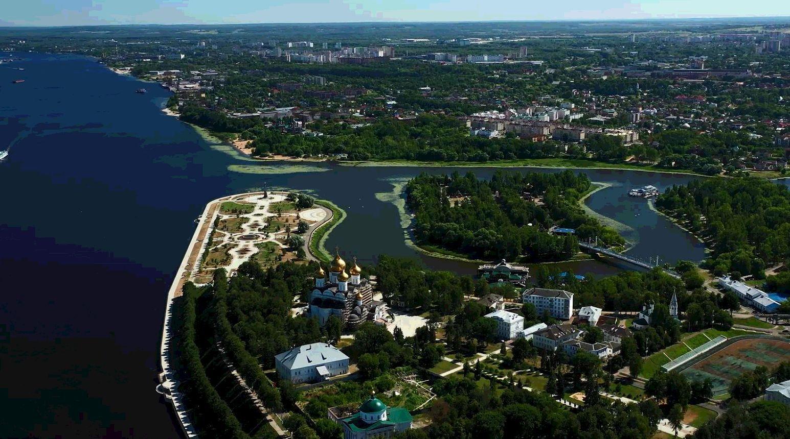 Развитие Ярославской области в ближайшие годы сегодня стало темой встречи губернатора Дмитрия Миронова с депутатами