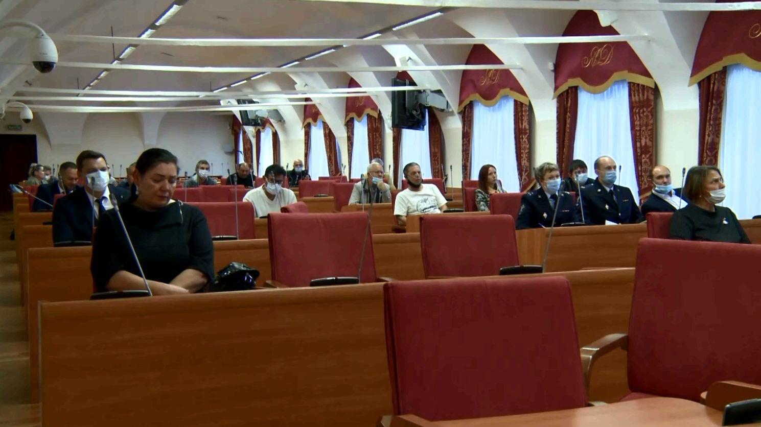 Проблемы обманутых дольщиков стали темой обсуждения заседания рабочей группы в Ярославской областной Думе