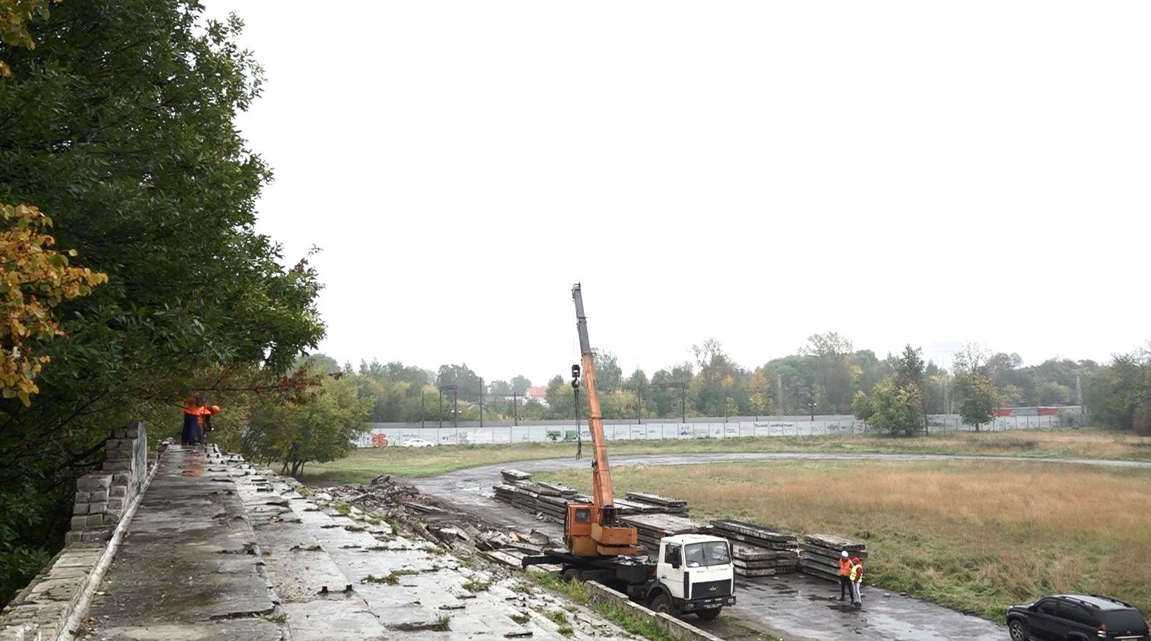 На месте стадиона «Красное Знамя» в Петропавловском парке Ярославля сделают два поля с подогревом