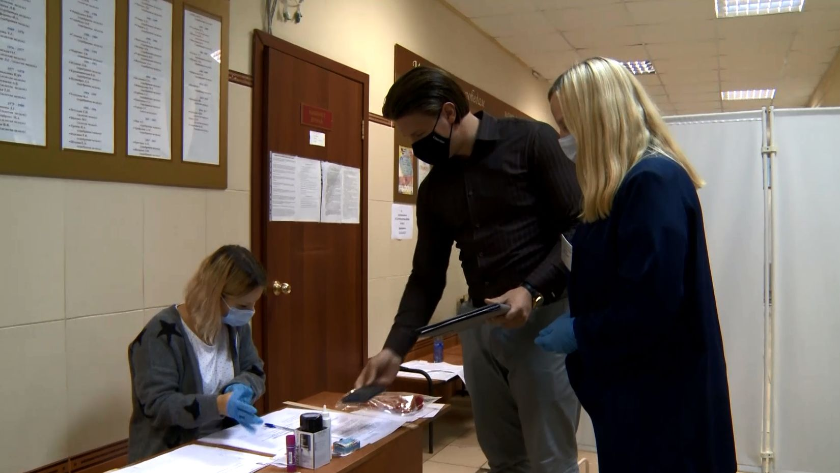 Представители Штаба общественного наблюдения в первый день голосования побывали сразу на нескольких избирательных участках в Ярославле