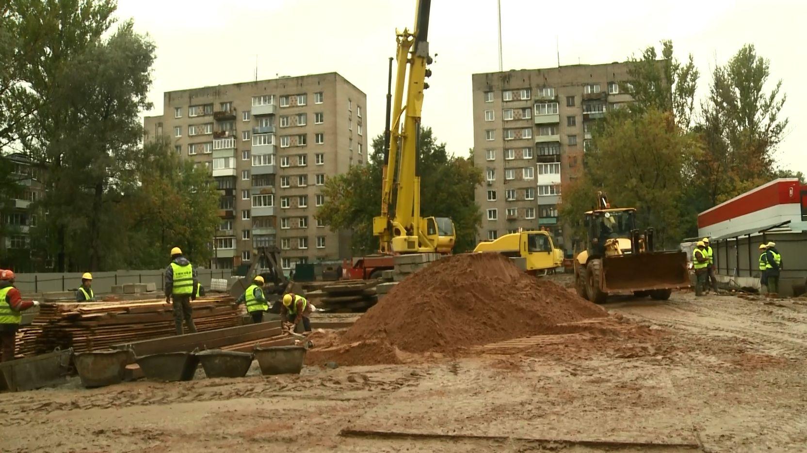 В Ярославле на проспекте Дзержинского продолжаются работы над новостройкой для жителей аварийного фонда