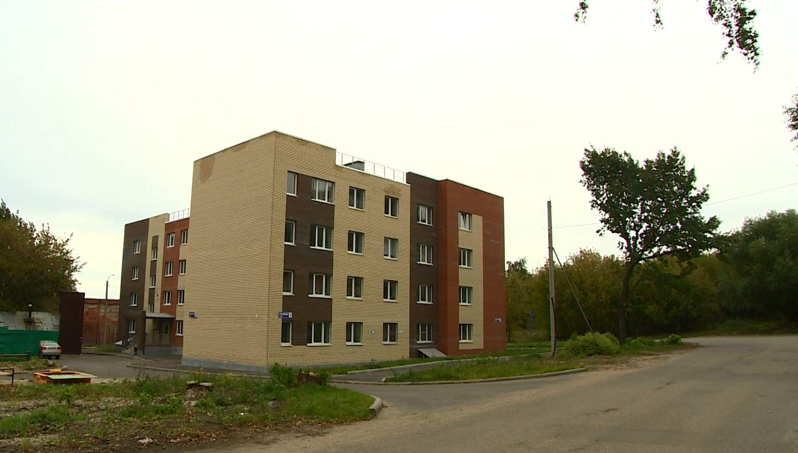 Новосёлам дома на Посохова, 2 в Ярославле, спустя 2 месяца, дали и горячую воду, и отопление
