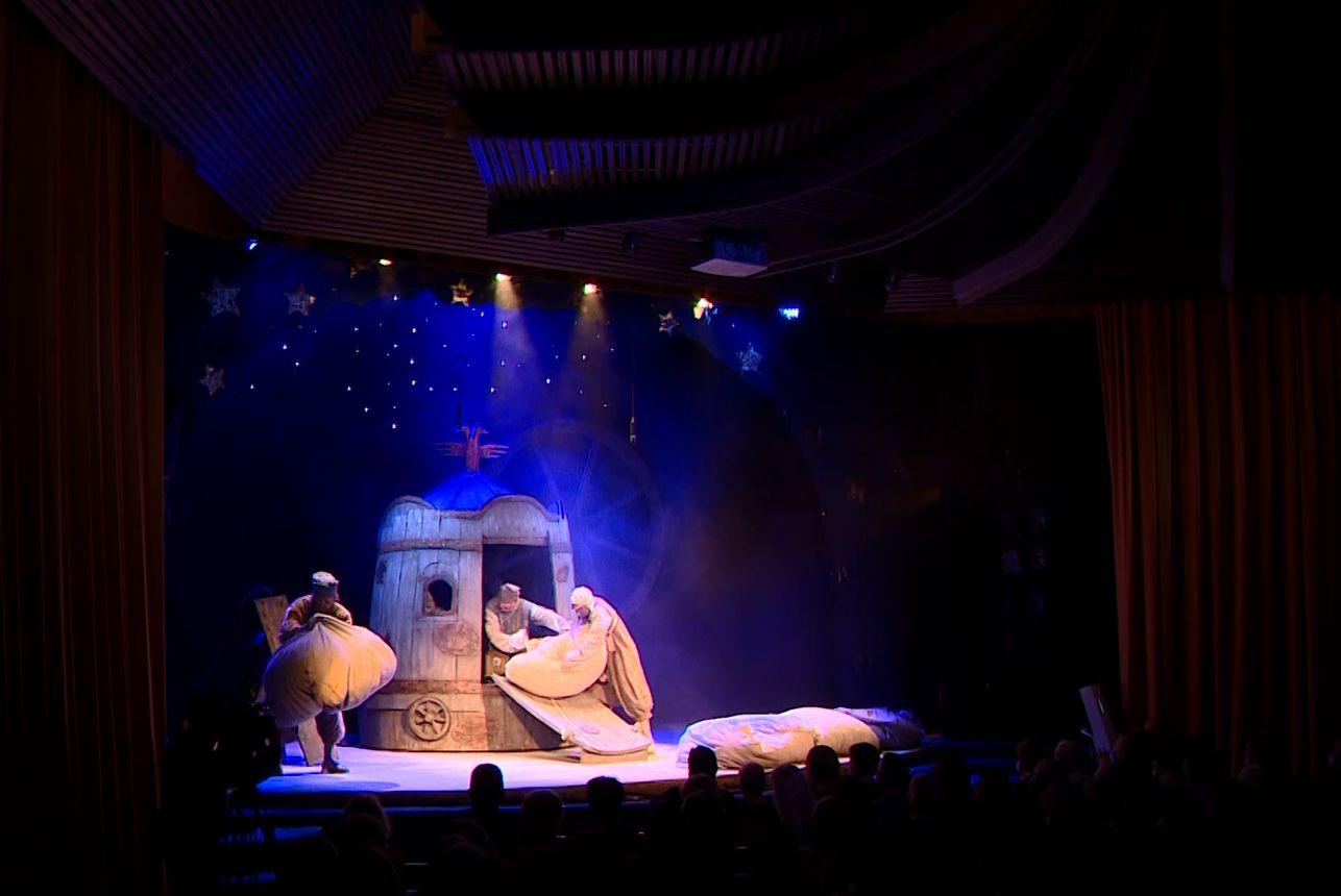 Постановка «Кому на Руси жить хорошо» открыла 95 сезон Ярославского театра кукол