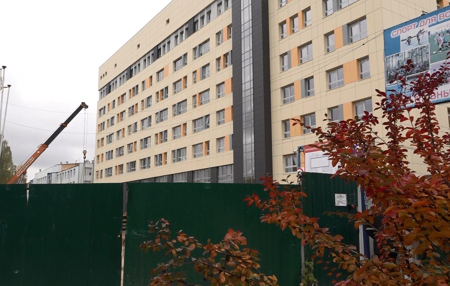 Строящийся в Ярославле хирургический корпус онкобольницы готов более чем на 70 процентов