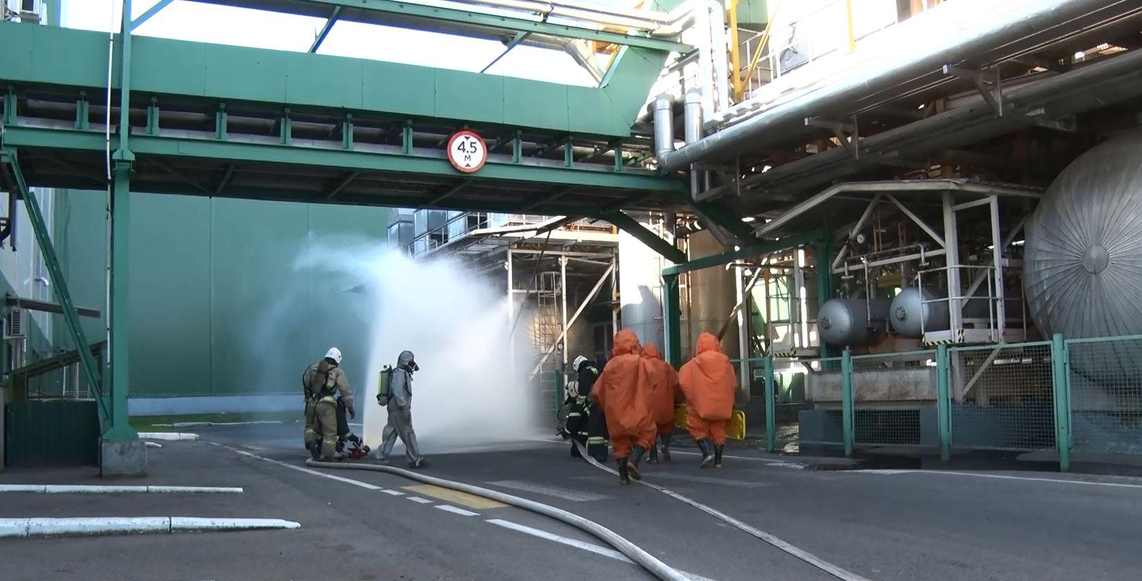 В Ярославле состоялись межведомственных учения, связанные с химическими выбросами на заводе