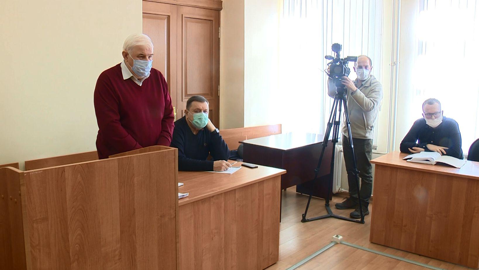 В Кировском районном суде прошло первое заседание по делу бывшего застройщика дома на проспекте Машиностроителей