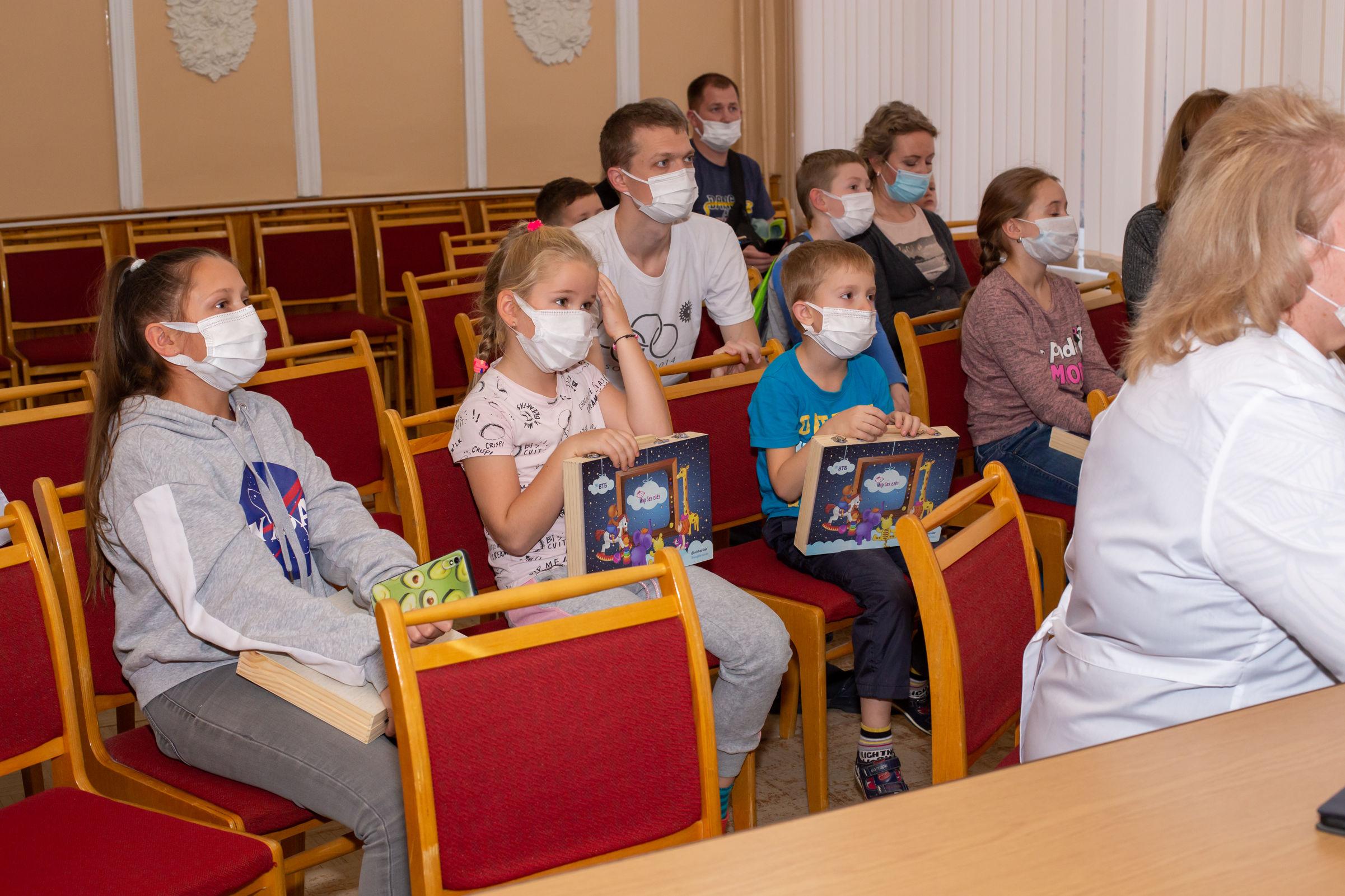 ВТБ в Ярославле передал Центральной городской больнице новое оборудование