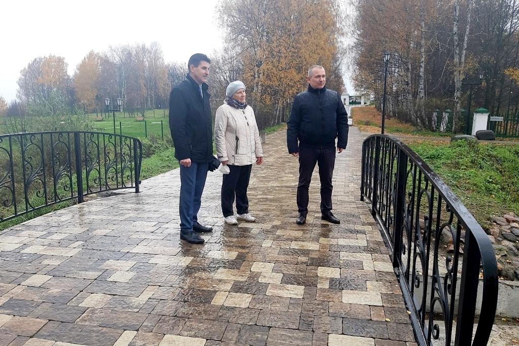 Мемориальные и спортивные объекты обустроят в Ярославском районе в 2022 году