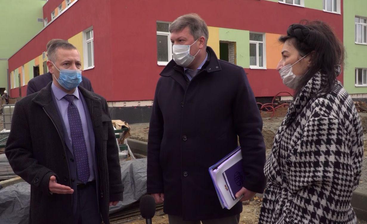 Михаил Евраев взял под личный контроль строительство детсада во Фрунзенском районе Ярославля