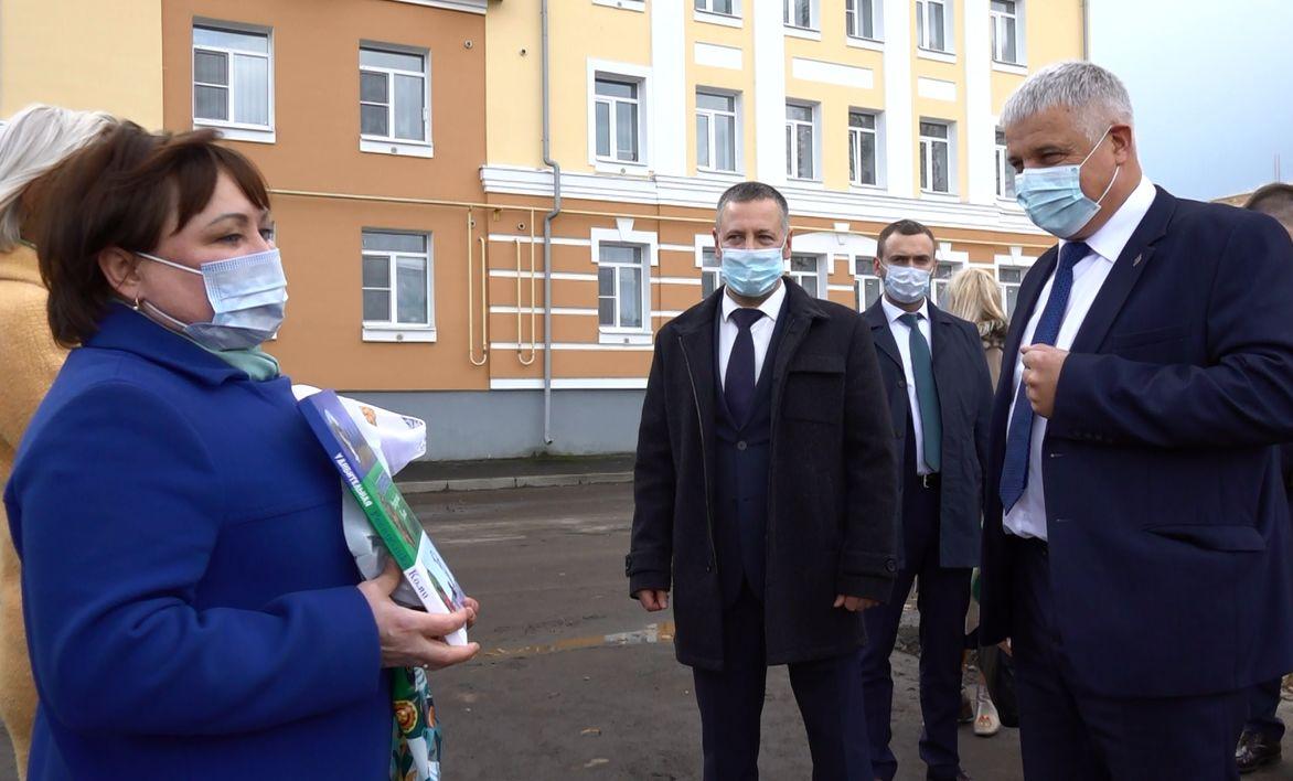 Врио губернатора Ярославской области Михаил Евраев посетил Рыбинск и пообщался с жителями города