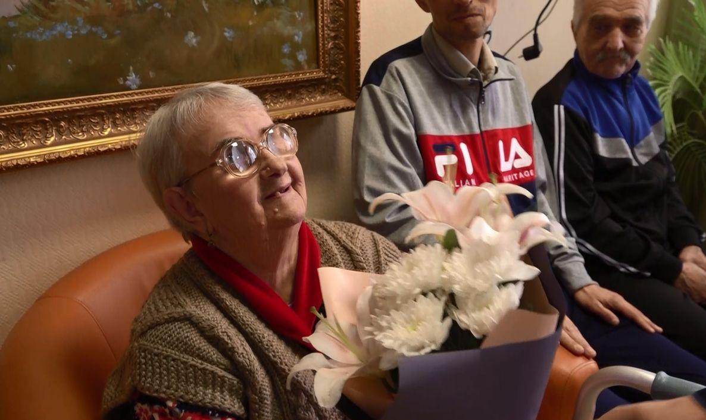 В Ярославле волонтёры провели акцию с «Днем рождения бабушка»