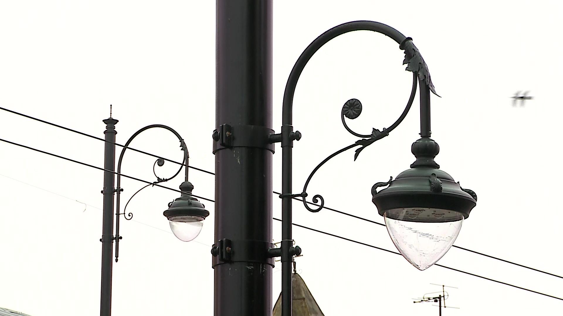 На верхнем ярусе Волжской набережной в Рыбинске появятся стилизованные фонари