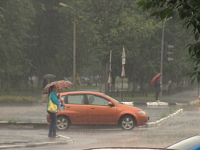 МЧС предупредило ярославцев о грозе с градом