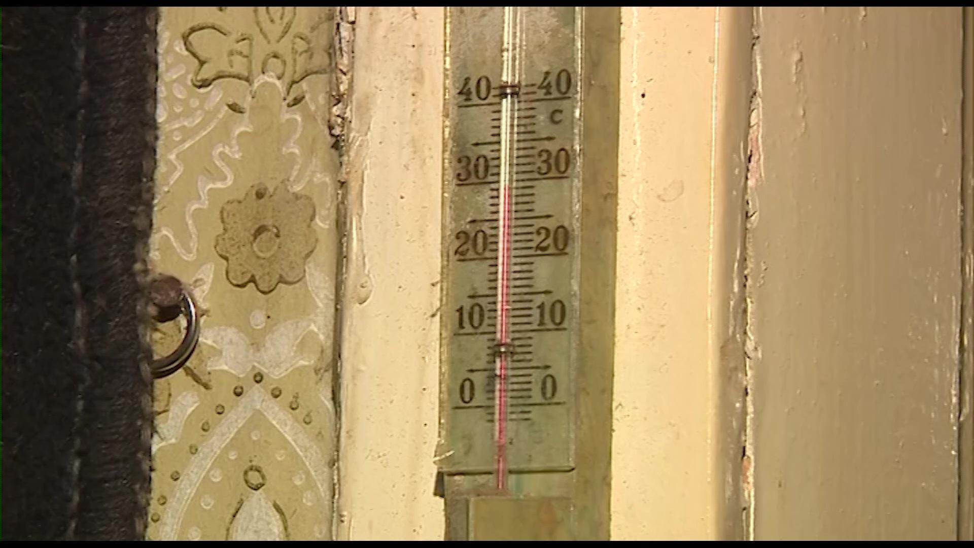 В деревне Коленово Ростовского района решили вопрос с отоплением в домах и соцобъектах