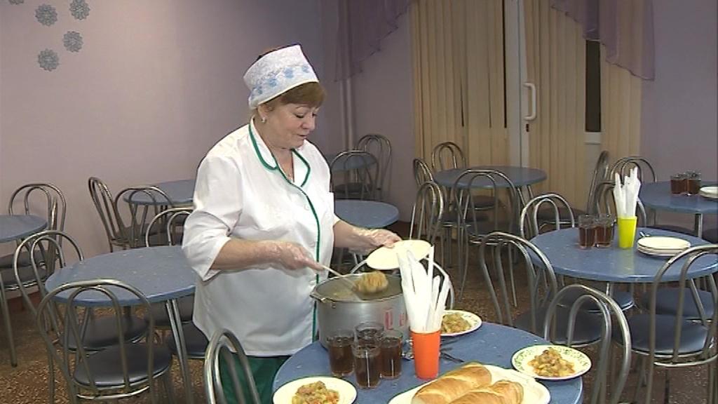 Ярославским ученикам понравилось платить безналом в школьных столовых