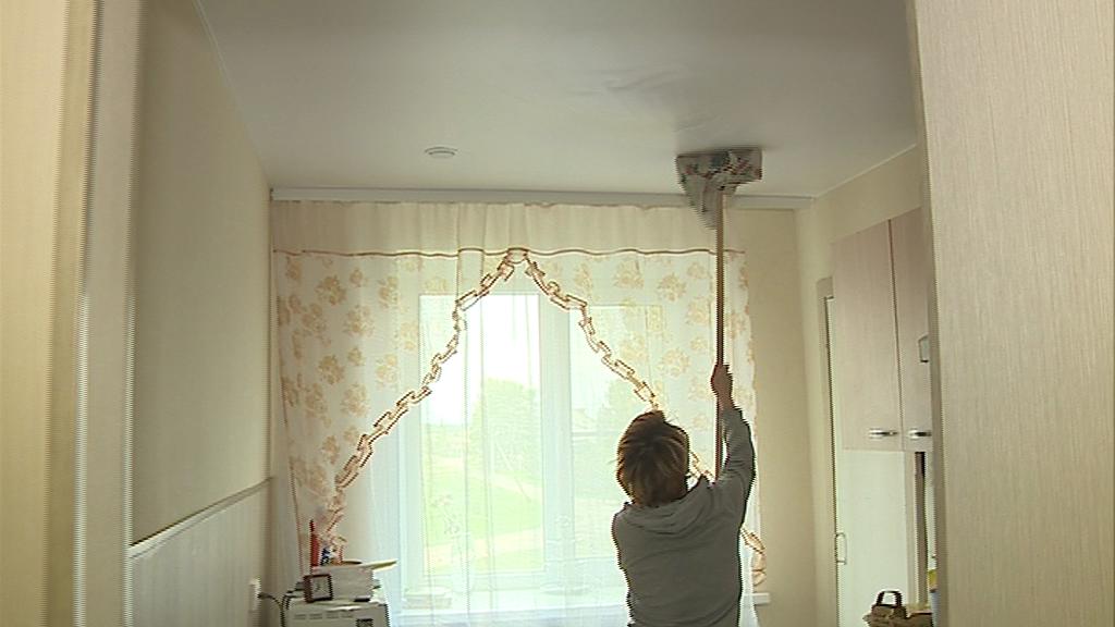Ярославская мэрия помогла решить проблему с протекающей крышей после постов в соцсетях