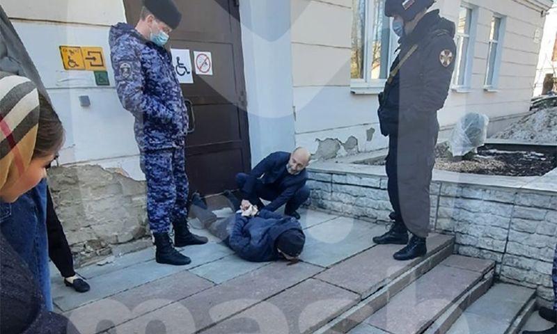 По факту нападения на студента у корпуса ЯрГУ возбудили уголовное дело